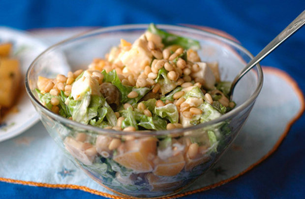 Салат с кедровыми орехами