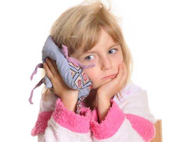 Что делать если болит ухо у ребенка: оказание