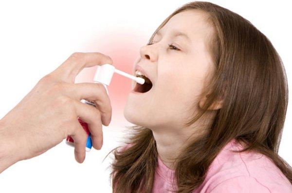 Чем лечить красное горло ребенку 8 месяцев советы