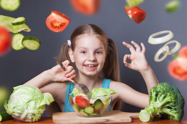 Чем кормить ребенка при поносе: что можно кушать